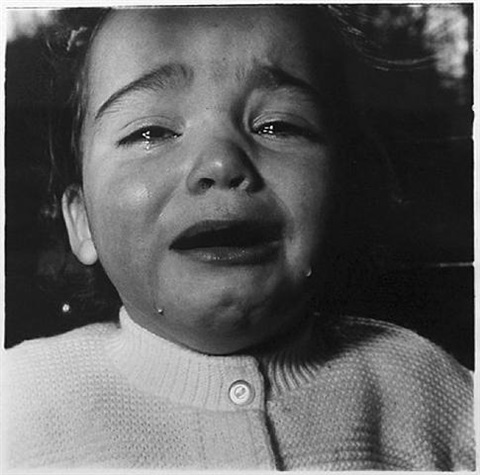 Child Crying, 1967 - Diane Arbus
