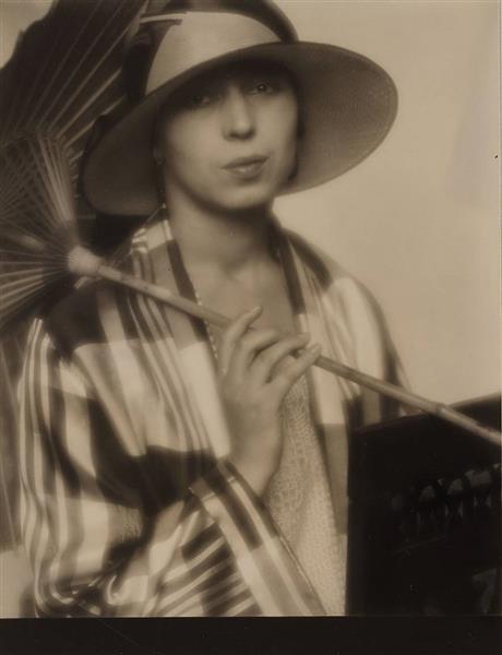 Dame Mit Japanischem Schirm, c.1925 - Nicola Perscheid