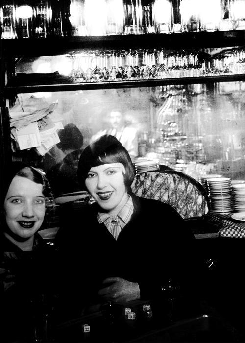 Girls in Paris, 1932