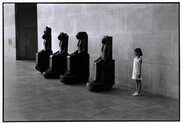The Metropolitan Museum of Art, NYC, 1988 - Elliott Erwitt