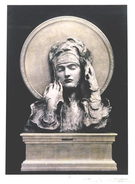Standing Woman, 1898 - Фернан Кнопф