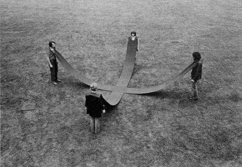Kreuz Bewegungsraum, 1967 - Franz Erhard Walther