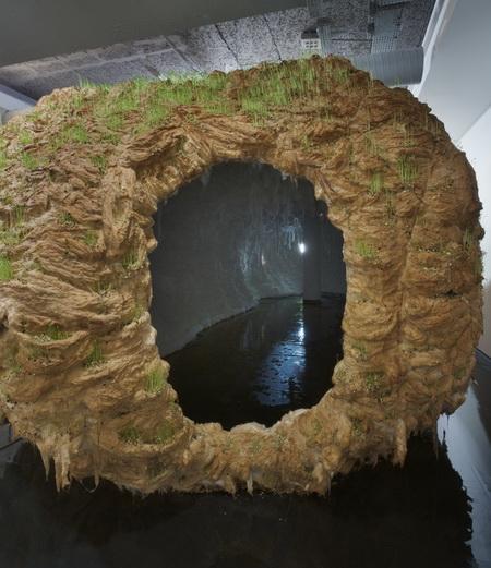 La grotte, 2012 - Michel Blazy