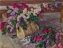 Lilacs in a purse on the floor - Pjotr Petrowitsch Kontschalowski