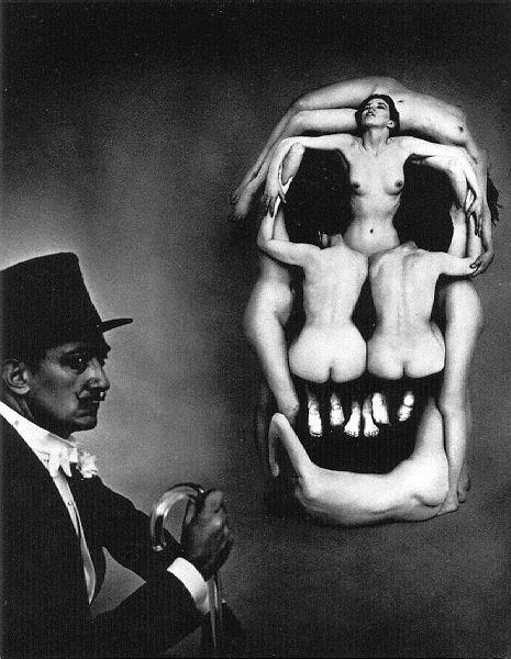 Women forming a skull - Dali Salvador
